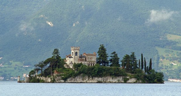L'isola nel lago di Iseo