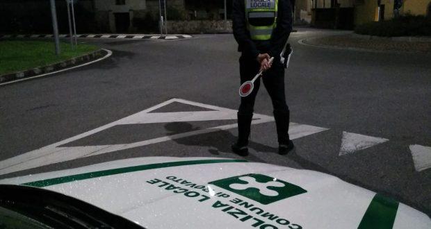 Controlli della Polizia locale a Rovato, foto da pagina Facebook Comune di Rovato